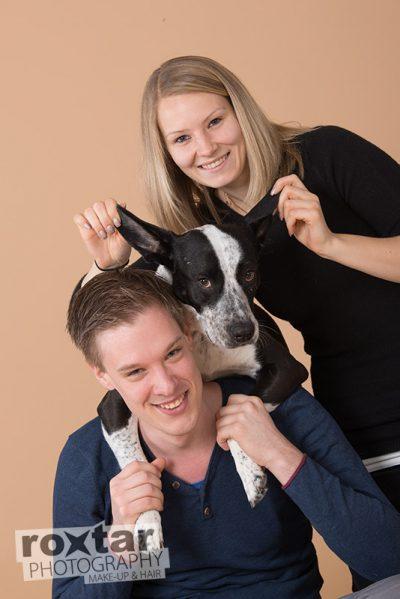 Haustier Shooting - Hund mit Herrchen und Frauchen © roxtar