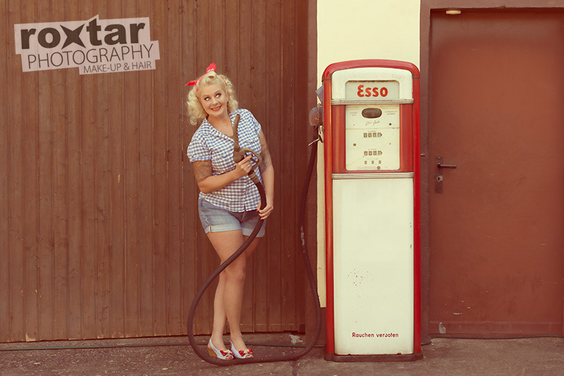 Pinup Shooting - Station Girl © roxtar